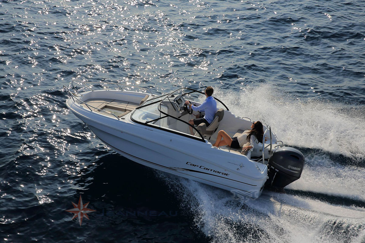 Cap Camara bow rider 55BR bateau moteur in board Jeanneau bateau à Marseille Yatch-Méditerranée