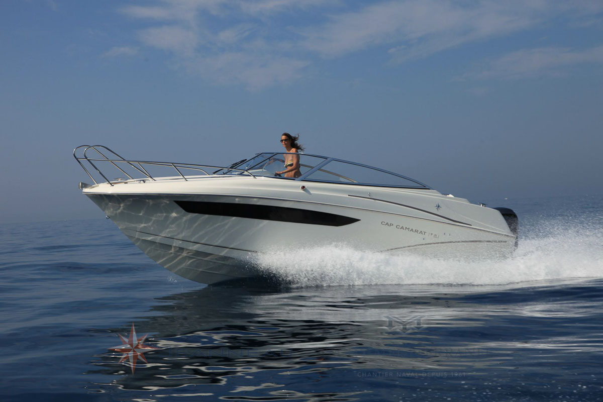 Bateau Hors bord Jeanneau Cap Camarat 7.5 DC Day Cruiser – Yacht Méditerranée Marseille vente de bateaux neufs et occasions