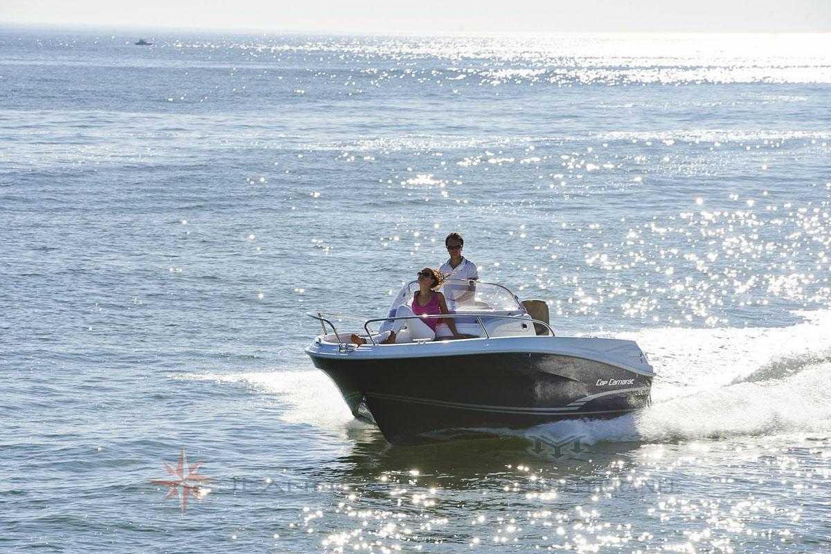 Bateau Hors bord Jeanneau Cap Camarat 5.5 WA Walk Around – Yacht Méditerranée Marseille vente de bateaux neufs et occasions
