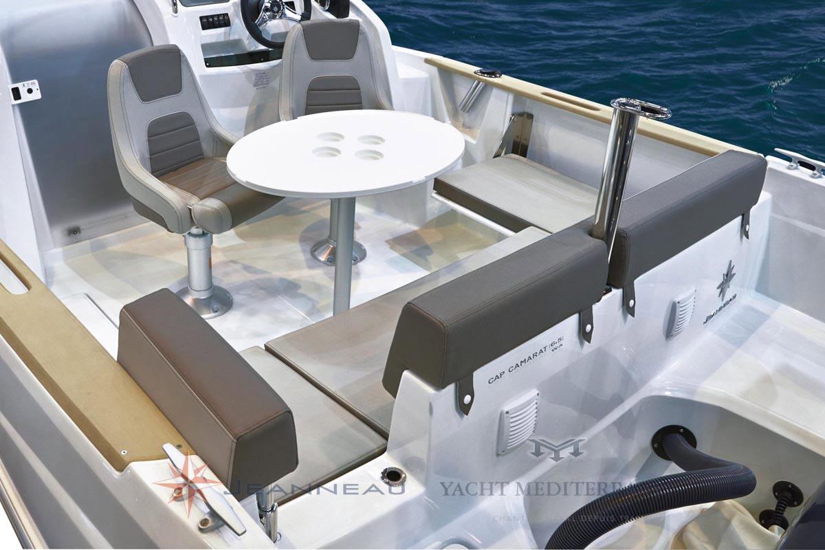 Bateau Hors bord Jeanneau Cap Camarat 6.5 WA Walk Around – Yacht Méditerranée Marseille vente de bateaux neufs et occasions