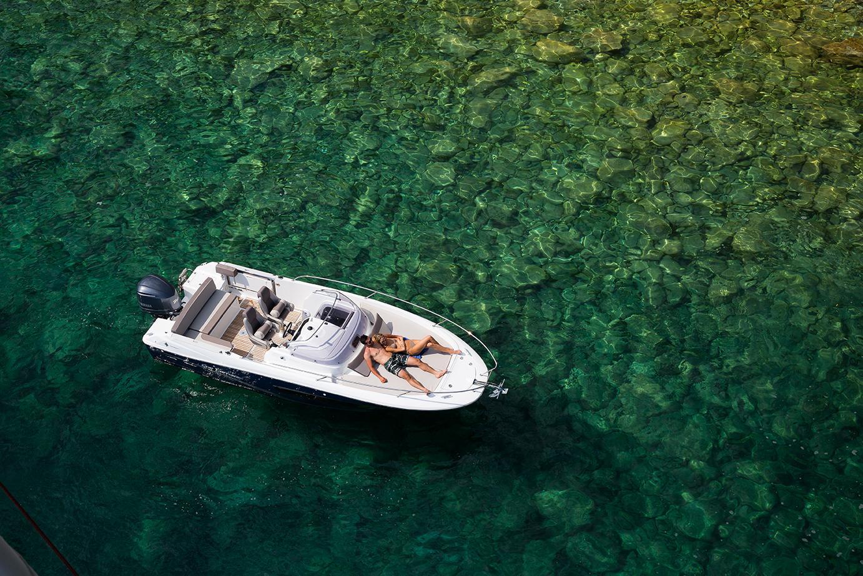 Bateau Hors bord Jeanneau Cap Camarat 7.5 WA Walk Around – Yacht Méditerranée Marseille vente de bateaux neufs et occasions