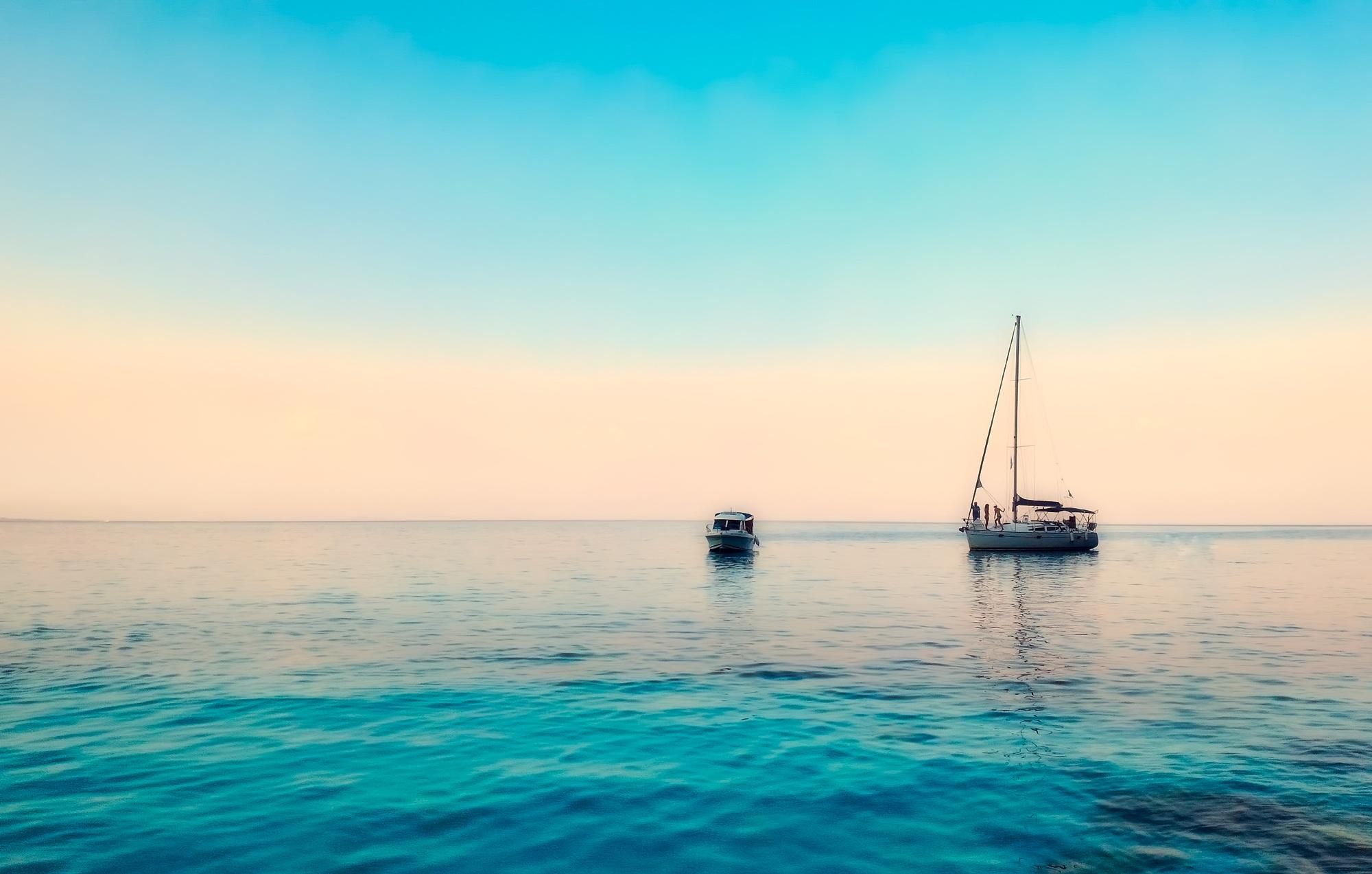 Vente location et achat de bateaux Jeanneau a Marseille Cannes-Nice Saint-tropez Monaco.jpg