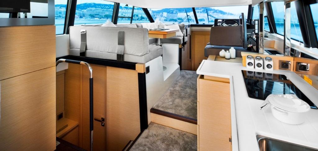 Yacht Prestige Coupé Line 420S – Yacht Méditérranée Marseille Cannes Nice Saint Tropez – Luxury Yachts