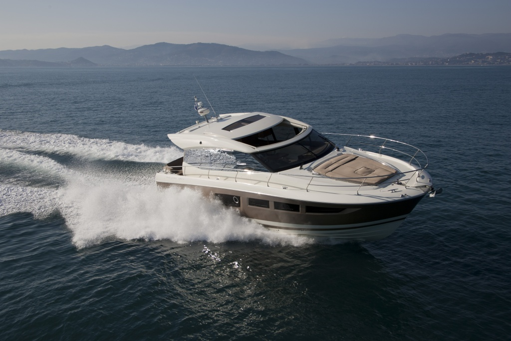 Yacht Prestige Coupé Line 500S – Yacht Méditérranée Marseille Cannes Nice Saint Tropez – Luxury Yachts