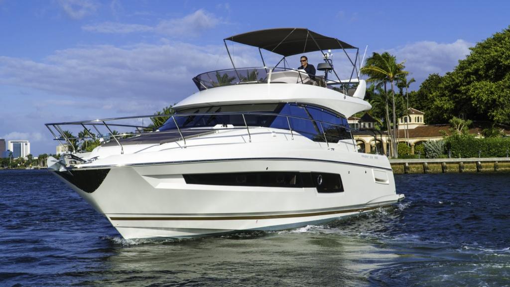 Flybridge Line Prestige 460 Luxury Yachts - Yacht Méditerranée Jeanneau Marseille - Nice -Cannes