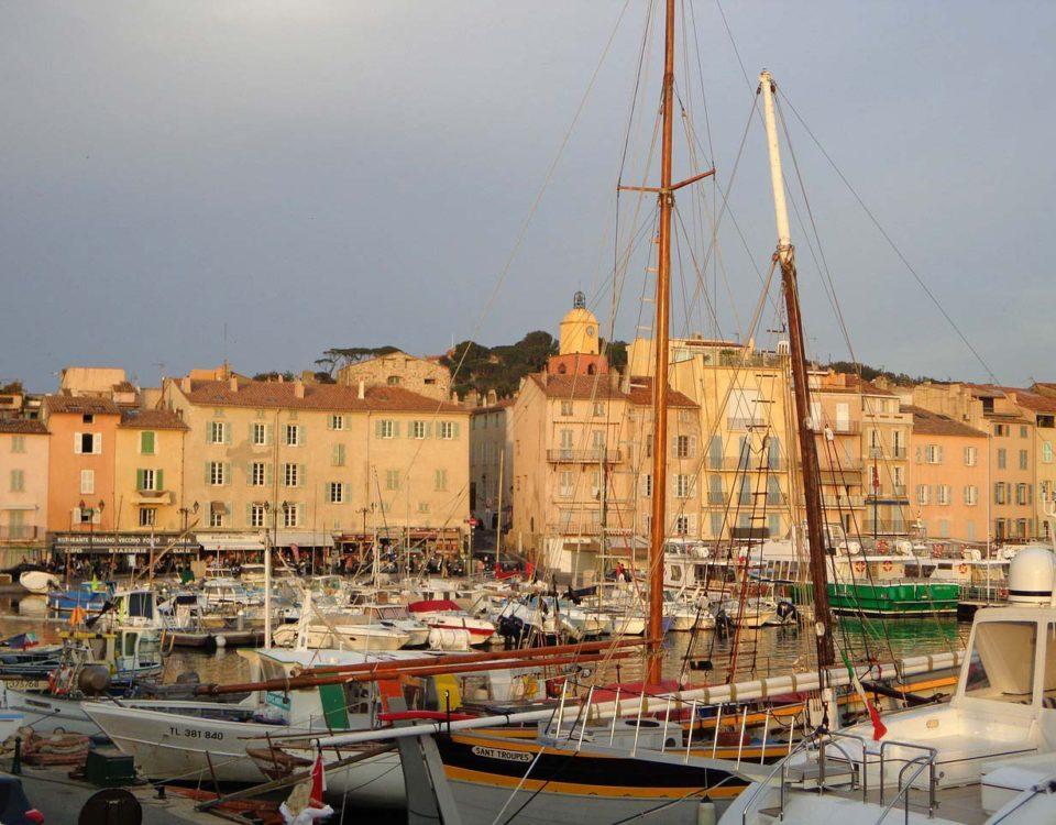 Essais clients Jeanneau Marseille à Saint Tropez - Jeanneau port de Saint Tropez - Yacht Méditerranée Marseille
