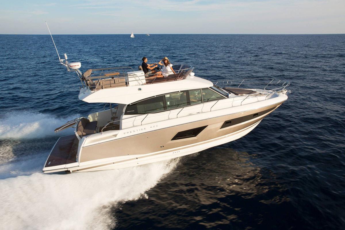 Prestige 420 Flybridge Yacht - Cannes
