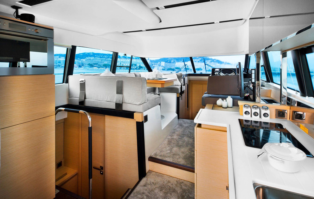 Prestige 420 Flybridge Yacht - Corse