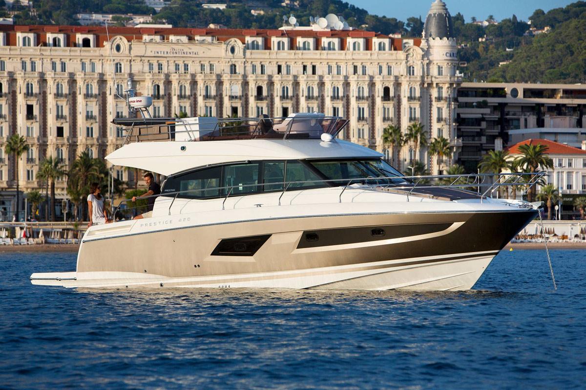Prestige 420 Flybridge Yacht - Monaco
