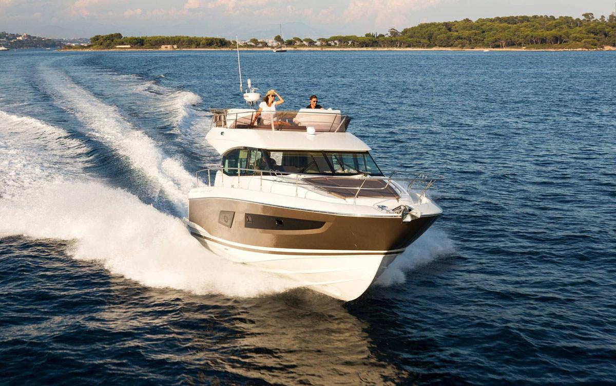 Prestige 420 Flybridge Yacht - Nice