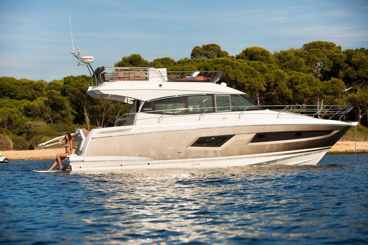 Prestige 420 Flybridge Yacht - Marseille