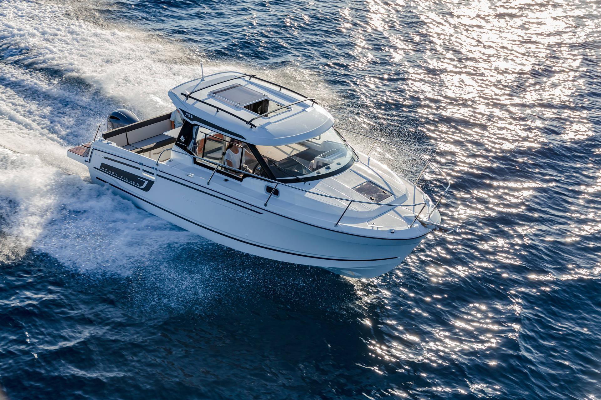 merry-fisher-795-serie2-bateau-moteur-in-board-Jeanneau-bateau-a-Marseille-yatch-mediterranee-8